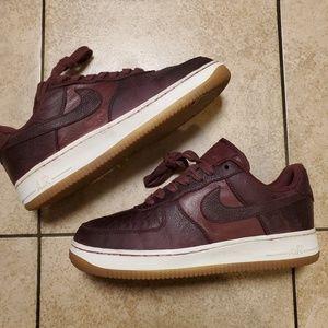 🔥Nike Af1 Paisley print bergundy shoes. sz 6y